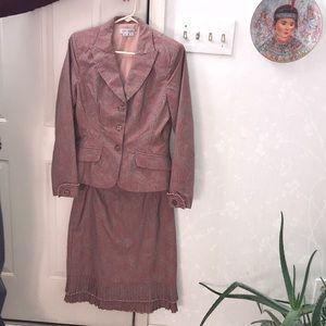 Kay Unger suit